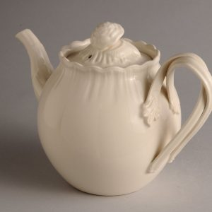 Hartley Greens Leeds Pottery Shell Edge Teapot-0