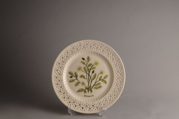 Hartley Greens Leeds Pottery Pierced Chamomile Plate-2392