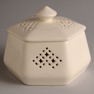Hartley Greens Leeds Pottery Hexagonal Trinket Box-0