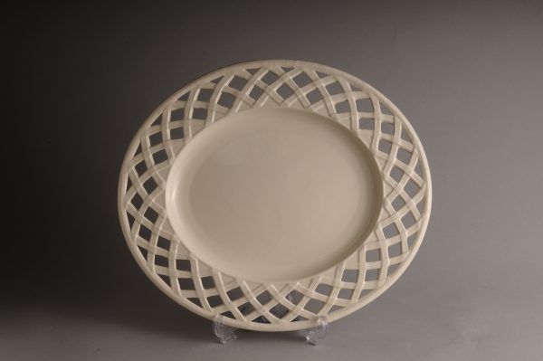 Hartley Greens Leeds Pottery Pierced Lattice Plate Stand-0