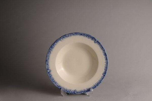 Hartley Greens Leeds Pottery Blue Shell Edge Pasta Soup Bowl -0