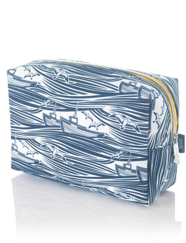 Mini Moderns Whitby Medium Wash Bag-0