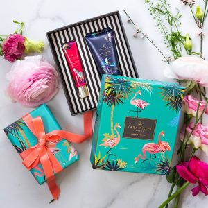 sara miller hand and lip gift set