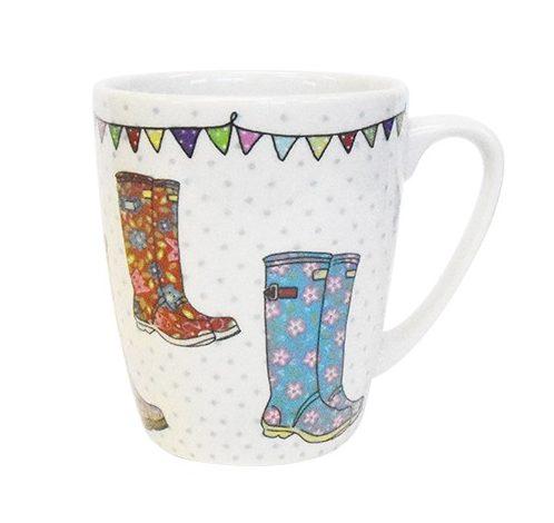 caravan trail wellies mug